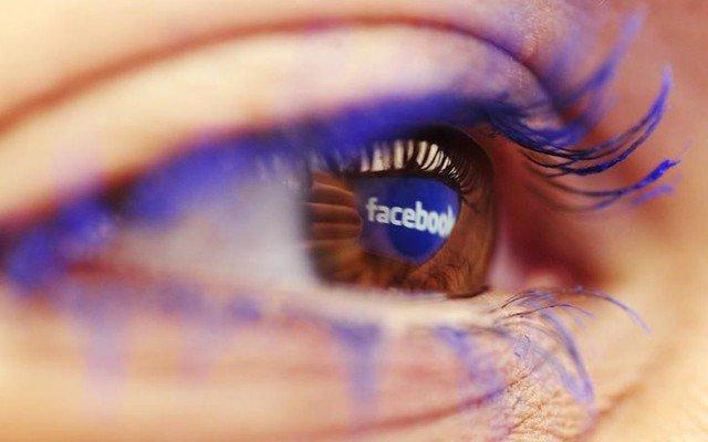ojo-facebook